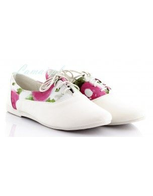 Białe tenisówki w różowe kwiatki T-1 2